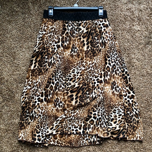 LuLaRoe Lola Leopard Skirt, Size Medium